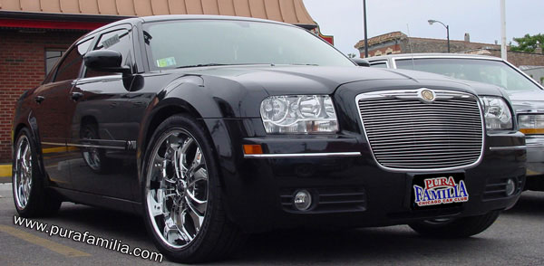 Click here to see bigger picture of Rene's 2005 Chrysler 300