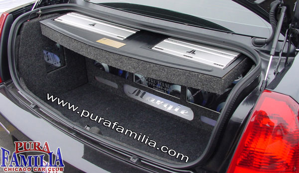 2 JL Audio Amps with a custom motorised retractable amp box by ProSounds